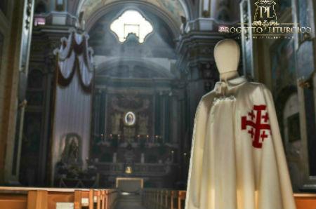 uniforme sartoriale cavaliere santo sepolcro